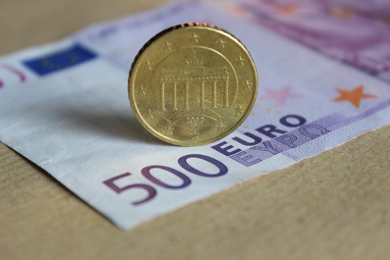 500 eur a mince
